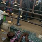 Mother of Little Baby Faint And Died at BRT Bus Stop In Lagos ... (See Pics)