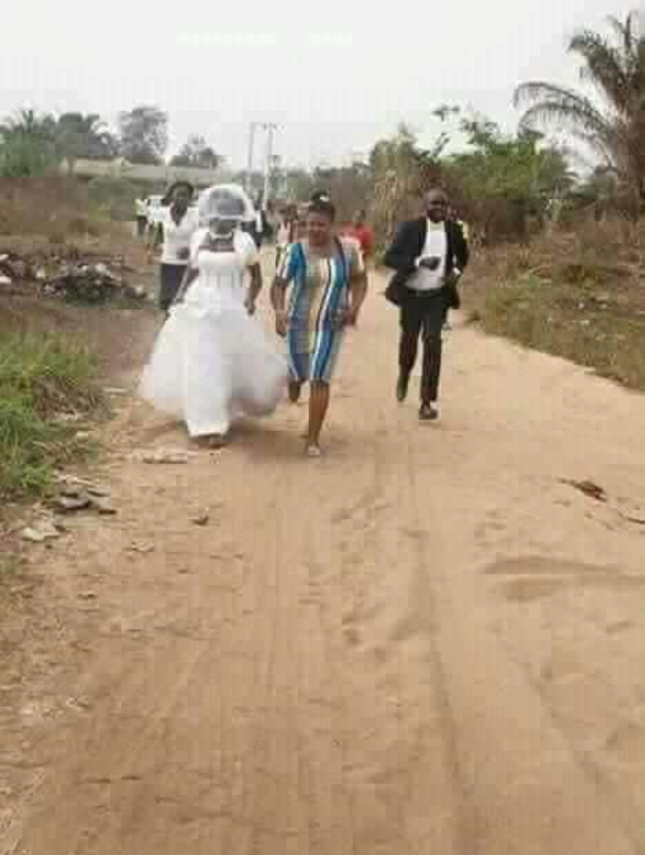BREAKING: Lady With Her Wedding Gown RunAway From Church in Nassarawa ...(see what happened)