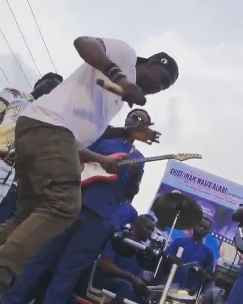 Fuji Artist –Pasuma Shows How To Dance Zanku Legwork