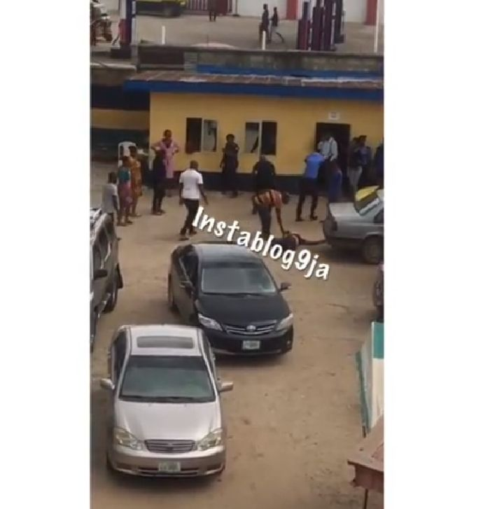 Thieves Attacked Pastor From Church To Police Station... (see dem here)